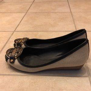 Tory Burch Navy and Beige and Gold Peeptoe Pumps